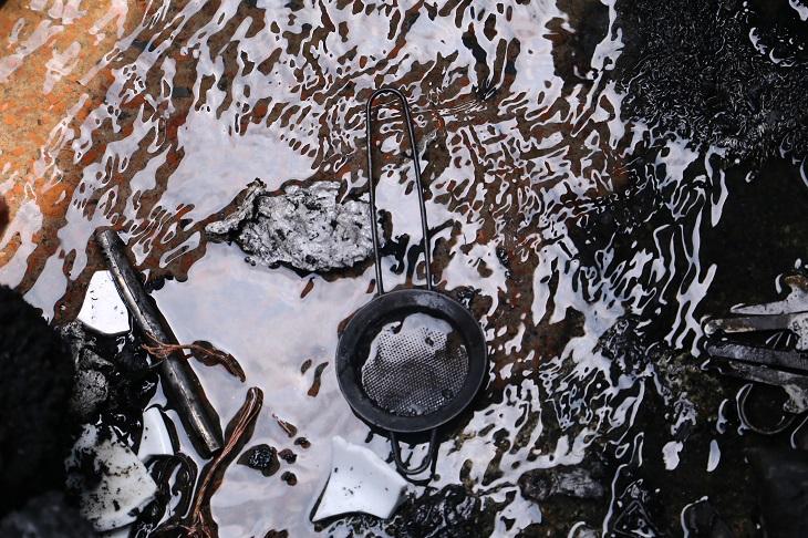 গুলশান-১ এর ডিএনসিসি মার্কেটে অগ্নিকান্ডের পর সেখানকার চিত্র (ছবি: আল-আমিন পাটওয়ারী)
