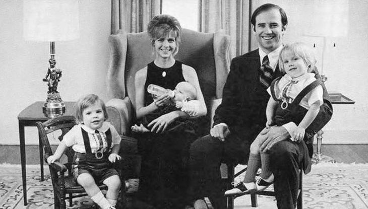 প্রথম স্ত্রী নেইলিয়া হান্টার ও তার তিন সন্তানের সঙ্গে বাইডেন (ছবি : দ্য পলিটিকো)