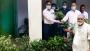 ধামইরহাটে বাড়ি বাড়ি চারা বিতরণ করছেন ইউপি চেয়ারম্যান